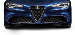 """Voorgrille met carbon """"V''-vorm voor uitvoeringen Super en Giulia"""